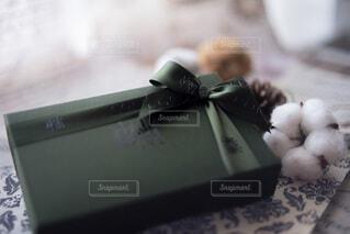 素敵にラッピングされたプレゼントの写真・画像素材[3966252]