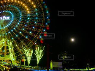 夜の遊園地の写真・画像素材[4071476]