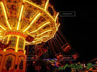 夜の遊園地の写真・画像素材[4071477]