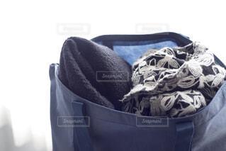 クリーニングに出す冬物衣類の写真・画像素材[4378762]