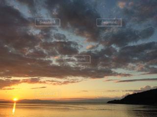 空,夕日,屋外,夕暮れ,曇り,景色,くもり,フォトジェニック,色・表現,感覚・感情