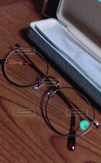 丸メガネの写真・画像素材[1352332]