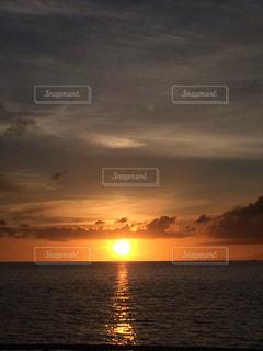 夏,夕日,ビーチ,雲,砂浜,夕焼け,沖縄,地平線,サンセット,美ら海,ブセナテラス