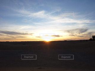 空,夕日,モロッコ,独り占め,キレイ,世界最大,貸し切り,サハラ砂漠,砂漠に沈む太陽,砂漠の真ん中