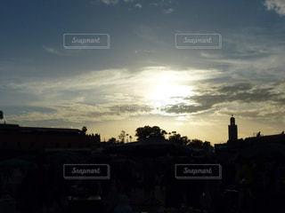 夕日,太陽,市場,街中,モロッコ,夕暮れ時,キレイ,マラケシュ,ミナレット