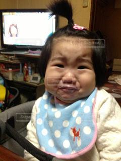 女の子,ヨーグルト,驚き,1歳児,びっくり