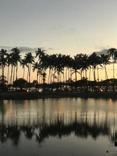海,空,夏,夕日,ビーチ,夕焼け,ハワイ,ワイキキ,サンセット,ライフスタイル,ワイキキビーチ,アラモアナビーチ,フォトジェニック,インスタ映え,ハワイ生活