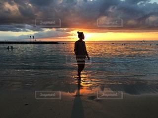 海,空,夏,夕日,ビーチ,夕焼け,ハワイ,ワイキキ,サンセット,ライフスタイル,ワイキキビーチ,フォトジェニック,インスタ映え,ハワイ生活