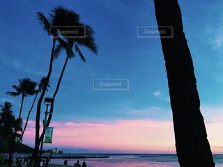 海,空,夏,夕日,ビーチ,夕焼け,ハワイ,ワイキキ,サンセット,ライフスタイル,アラモアナビーチ,フォトジェニック,インスタ映え,ハワイ生活,ピンクスカイ