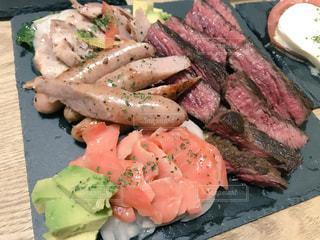 肉と野菜の料理の写真・画像素材[1270899]