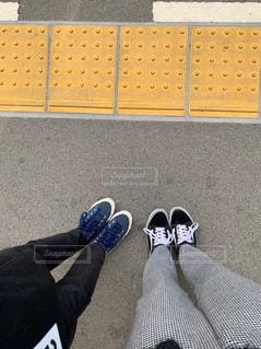 床に靴のグループの写真・画像素材[1805215]