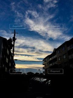 空,建物,青,隙間,夕焼け空