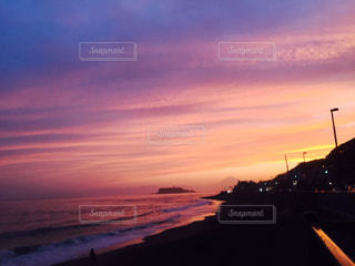 海,空,夕日,ピンク,綺麗,砂浜,夕方,夕陽,江ノ島,鎌倉,壮大な,江ノ電沿い