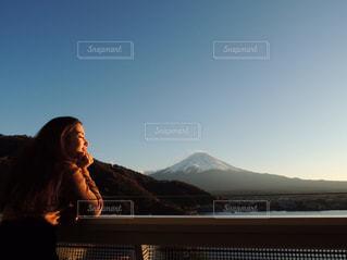 女性,秋,夕日,夜景,富士山,山,人,河口湖