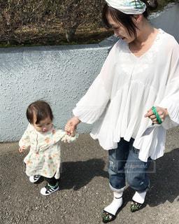 ママと末っ子のお散歩...♪*゚の写真・画像素材[2364247]