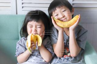 子ども,食べ物,かわいい,デザート,果物,人,食べる,おいしい,少年,banana,バナナ,Stayhome,DoleBananaSmile