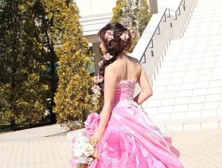 カラードレスの前撮りの写真・画像素材[1275088]