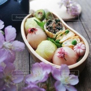 生ハムとうるいの手毬で春を味わうの写真・画像素材[3124744]
