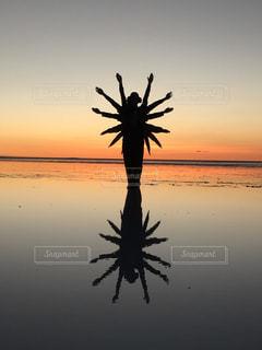 空,夕日,海外,夕暮れ,旅行,海外旅行,ウユニ塩湖,トリックアート,トリック,トリック写真,インスタ映え
