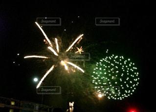夜空の花火の写真・画像素材[1310452]