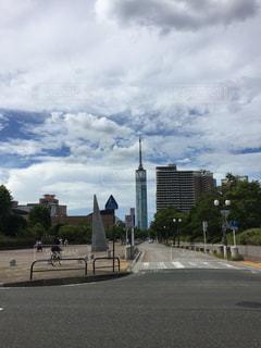 福岡タワーへ続く道の写真・画像素材[1319947]