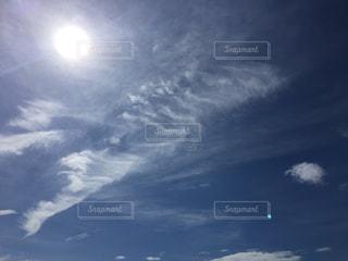 空には雲のグループの写真・画像素材[1320233]