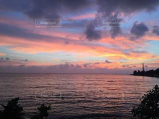 自然,海,空,夕日,太陽,夕暮れ,水面,海岸,沖縄,アラハビーチ