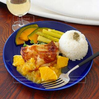 食べ物,朝食,ディナー,テーブル,皿,カレー,ご飯,米,料理,白米,もち米,インドネシア料理,ジャスミン米