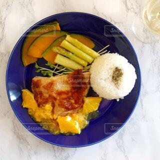 食べ物,朝食,ディナー,皿,チーズ,サラダ,ご飯,麺,ファストフード,白米