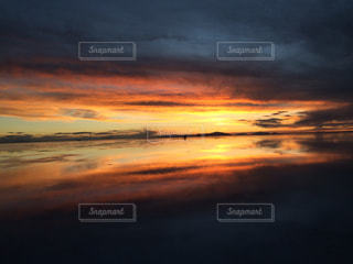 カラフルな夕暮れの写真・画像素材[1294042]