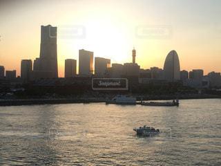 海,夕日,夕方,横浜,みなとみらい,ランドマークタワー