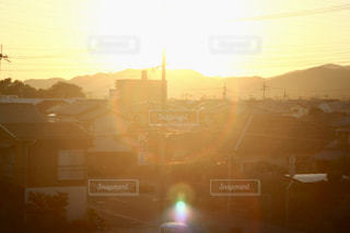 夕暮れ時の都市の景色の写真・画像素材[1284369]