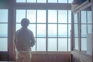 海,後ろ姿,人物,背中,人,学校,教室,小豆島,二十四の瞳映画村