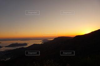 小豆島の寒霞渓から瀬戸内海に沈む夕陽の写真・画像素材[1287000]