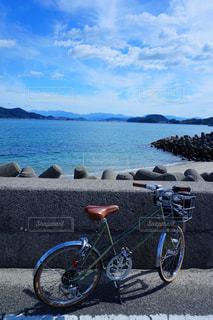 瀬戸内海の島でサイクリングの写真・画像素材[2370337]
