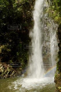 竜吟の滝で偶然に虹が出ました!の写真・画像素材[2508282]