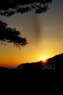 自然,風景,空,屋外,太陽,夕暮れ,山,光,樹木