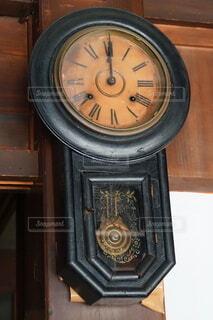 もう動くことのない時計の写真・画像素材[4773994]