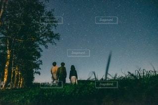 十勝の星空の下の写真・画像素材[3406596]