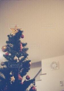 おうちのクリスマスツリーの写真・画像素材[3987764]