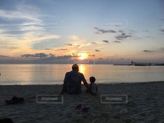 2人,風景,海,空,親子,夕焼け,想い出