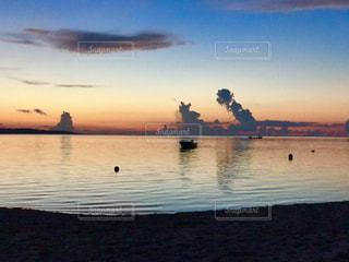 風景,海,空,夕焼け,夕暮れ,船,海岸,沖縄,想い出