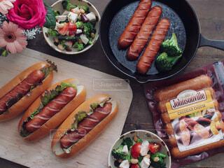 食べ物,テーブル,昼食,料理,ソーセージ,ホットドッグ,ソーセージのパン,ジョンソンウィル