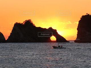 空,夕日,夕焼け,船,千葉,メガネ岩