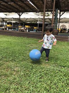 公園,スポーツ,人物,ボール,人,赤ちゃん,少年,遊具,男の子,1歳,ボール遊び