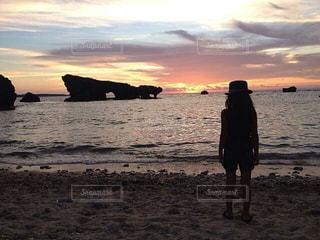 風景,海,空,太陽,砂浜,夕焼け,海岸,少女,夕陽