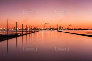海,空,雲,夕焼け,水面,工場,夕景,木更津
