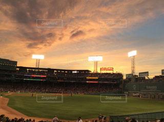 空,夕日,雲,夕暮れ,スタジアム,野球場,黄昏時,フェンウェイパーク,レッドソックス,boston,FenwayPark,Redsox,Fenway,Ballpark