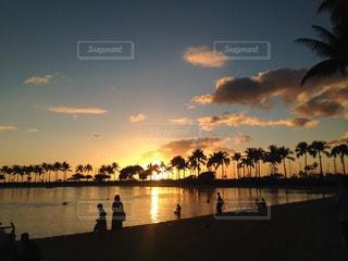 空,夕日,夕暮れ,海岸,旅行,グアム,ワイキキ,レジャー・趣味