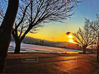 空,冬,夕日,湖,フォトジェニック,色・表現,感覚・感情